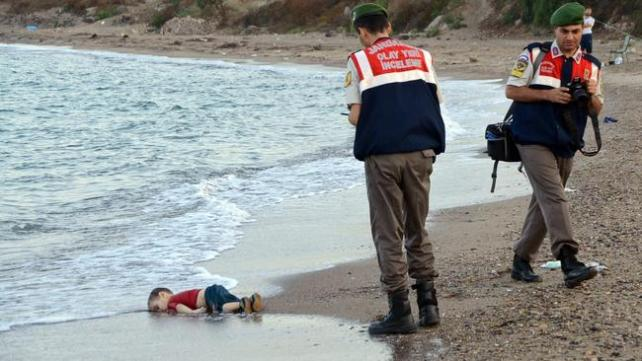 la-fg-syria-drowned-toddler-20150902-001